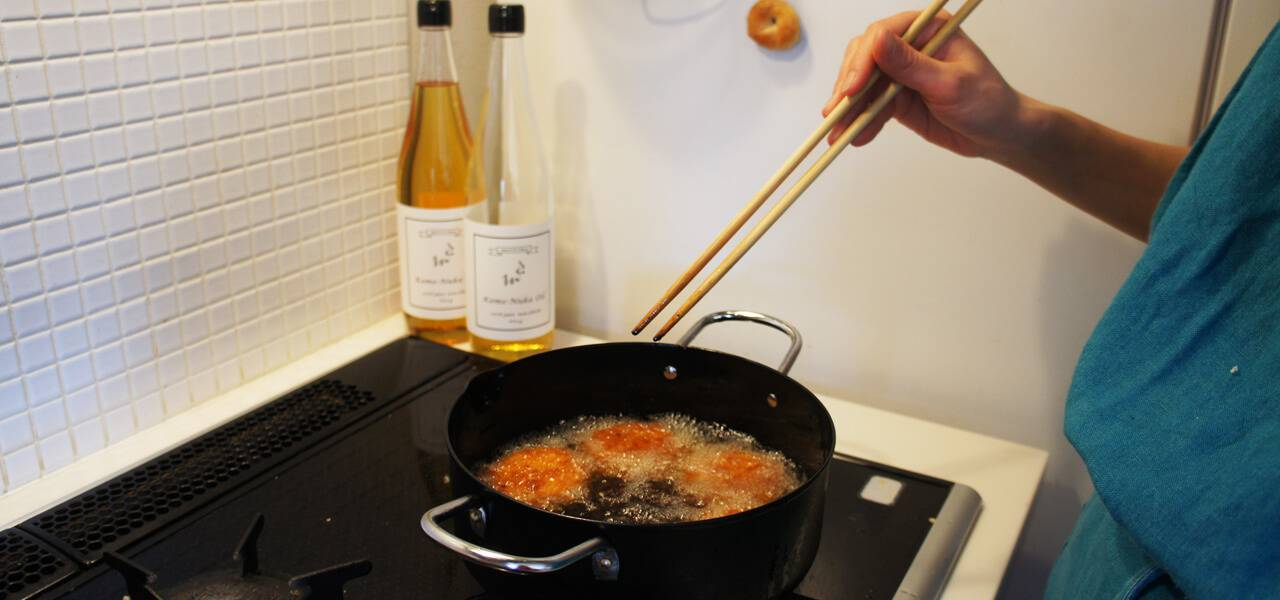 カラッと揚がって胸焼けしない揚げ油です